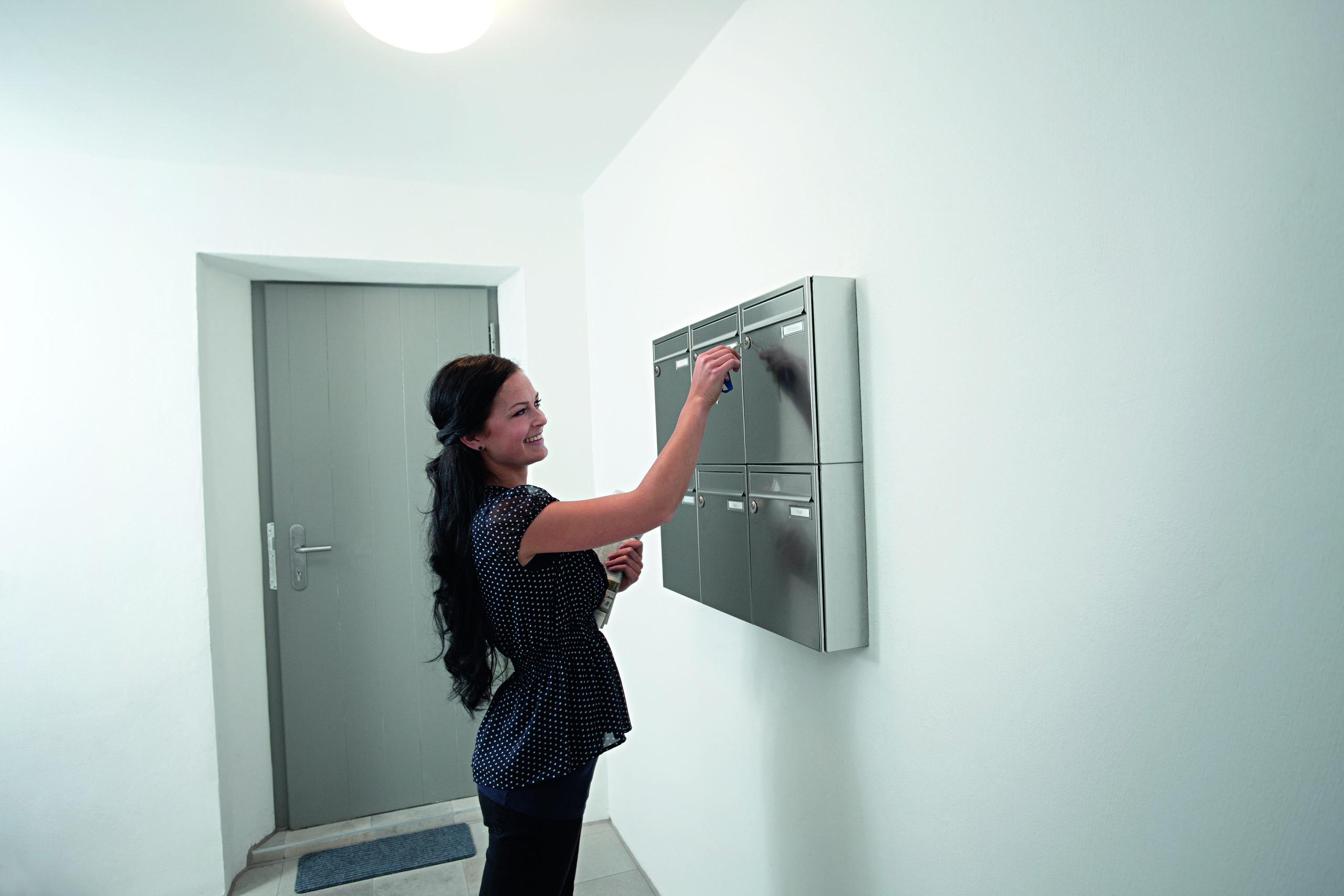 Vitess låsesystem henvender sig primært til erhverv og boligforeninger. Låseserien besidder også den patenteret Intop-låsesikring.