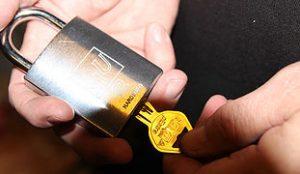 En ekstra lås til dit hjem, er en ekstra sikkerhed for dig.